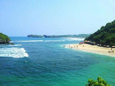 gambar pantai ngandong beach wonosari jogja snorkeling