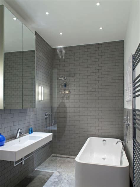 wandgestaltung bad 35 ideen f 252 r badezimmergestaltung mit - Fliesen Bad Hellgrau