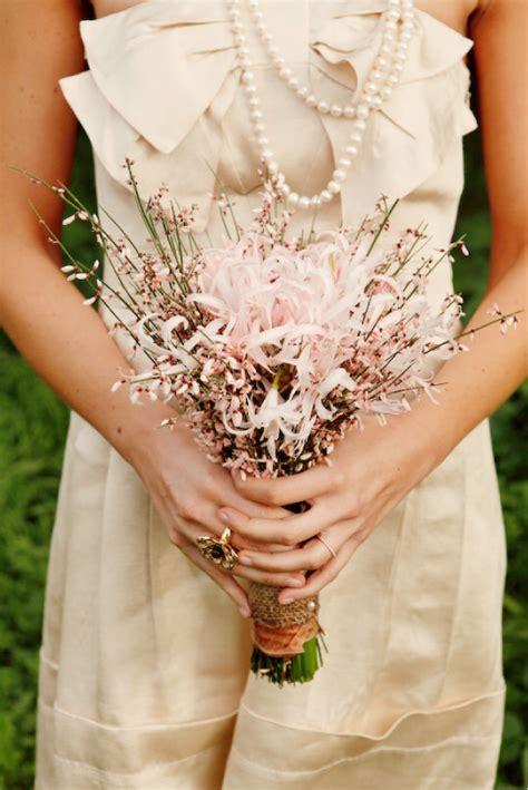 Kiss the Bride: Simple Bouquet