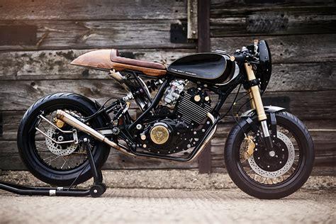 Motorrad Yamaha Xt 600 by Dirty Deeds Lion S Den Motorcycles Builds A Yamaha Xt600