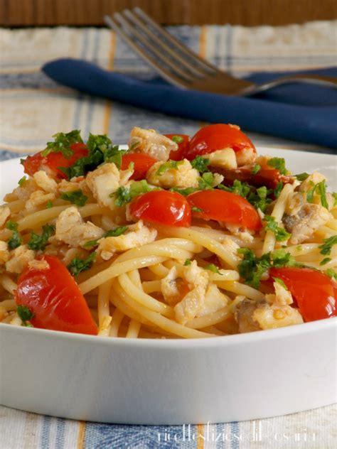 cucinare la gallinella spaghetti gallinella e pomodorini ricetta primo di pesce