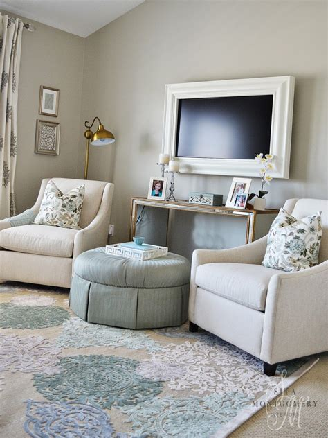 this sitting area in a master bedroom sita