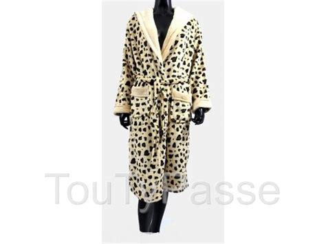 chambre leopard robe de chambre l 233 opard