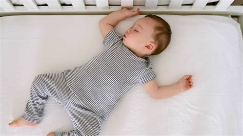 What Age To Put Baby In Crib 6 Tips For Getting Your Baby To Sleep In A Crib During Naptime
