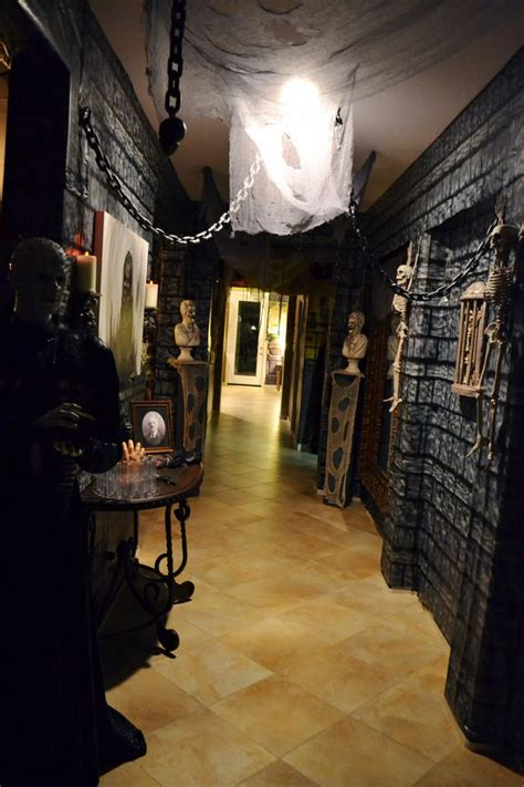 a haunted house night number 6 bedroom scene movie best 25 haunted house decorations ideas on pinterest