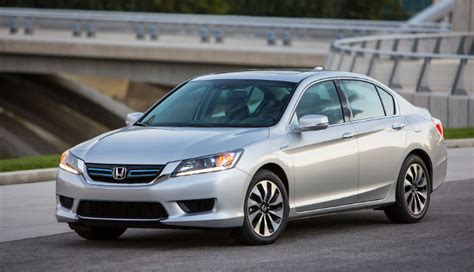 Best Fuel Economy Hybrid Cars by Top 10 Hybrid Cars For Fuel Economy July 2014