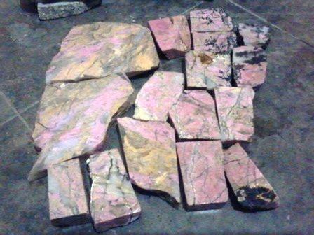 Giok Sojol Pink Marantale Sulawesi jual bongkahan batu akik marantale dan pink celebes jual