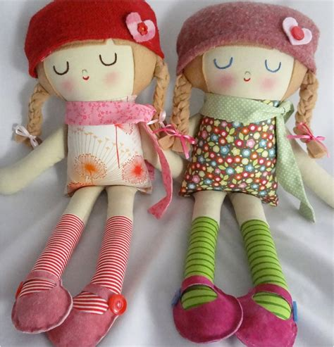 How To Make Handmade Dolls - ebabee likes made fabric dolls so