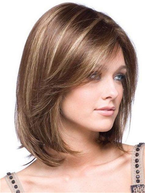 medium length hairstyle dor a squre jaw trendy hairstyles for shoulder length hair