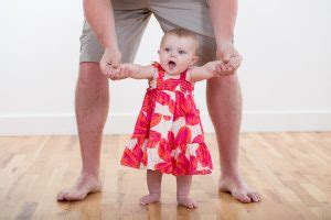 getting baby to walk baby s steps how why babies start walking