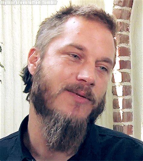 how to shape a beard like travis fimmel travis fimmel gif find share on giphy