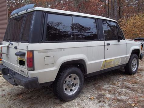 automotive air conditioning repair 2000 isuzu trooper windshield wipe control 1986 isuzu trooper ii 5 spd 4x4 a c round lights split rear seat sliding windows