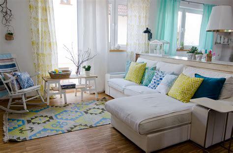 zahnreinigungsgerät für zuhause wohnzimmer braun beige
