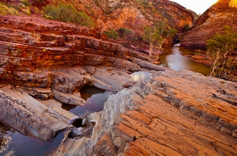 australias science channel oldest rocks   pilbara