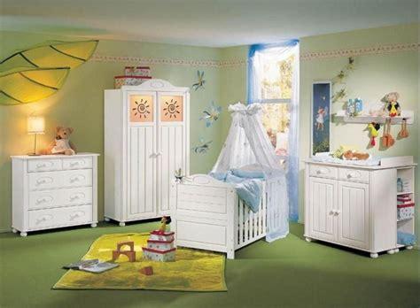 idee peinture chambre bebe chambre b 233 b 233 fille en nuances de vert inspirantes