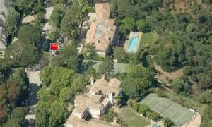 what s the magic johnson net worth house salary in 2017