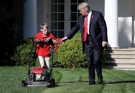 how old is the white house donald trump lets 11 year old boy mow the white house lawn toronto star