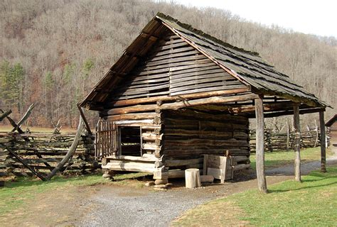 Corn Crib Pictures by File Corn Crib Shed Jpg