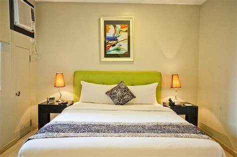 room exchange deluxe room picture of the exchange regency residence hotel pasig tripadvisor
