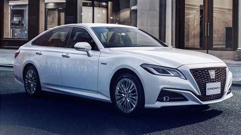toyota crown  elegance style  wallpaper hd car