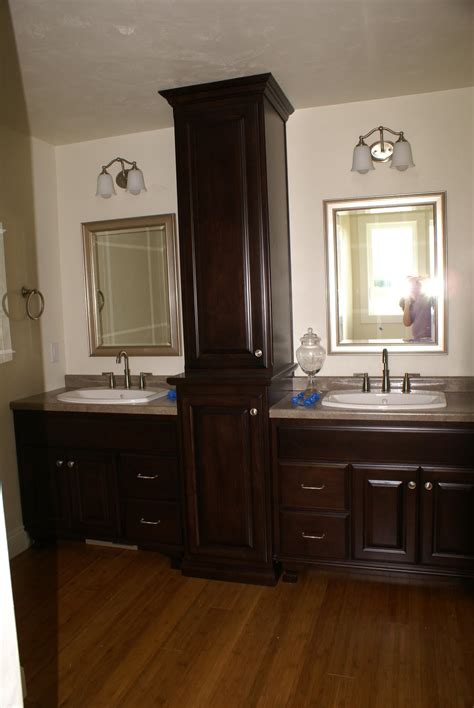 Fascinating 10 Master Bathrooms With Separate Vanities Two Vanity Bathroom Designs