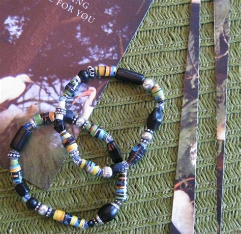 How To Make A Paper Bead Bracelet - make a recycled paper bead bracelet