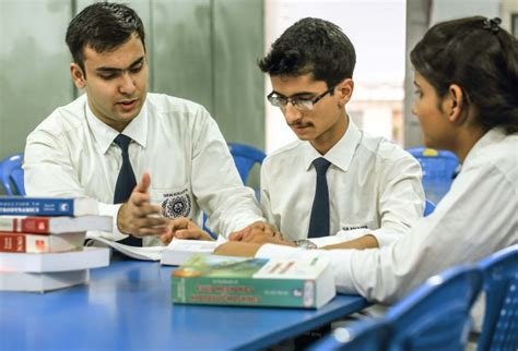 Iem Kolkata Mba by Best Engineering And Mba College In India Iem Uem