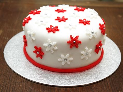easy christmas cake decorating ideas 40 easy cake decoration ideas for beginners