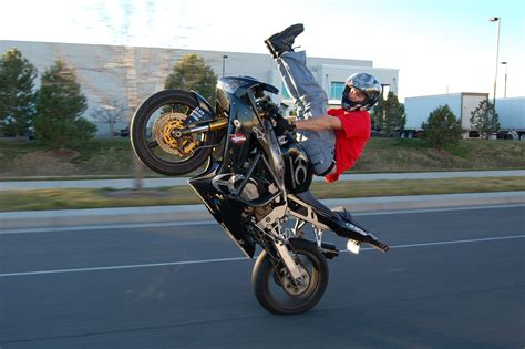 how to wheelie a motocross bike image gallery wheelie