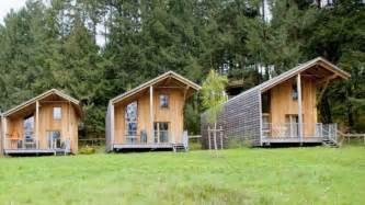 construire une cabane de luxe dans les arbres en luberon