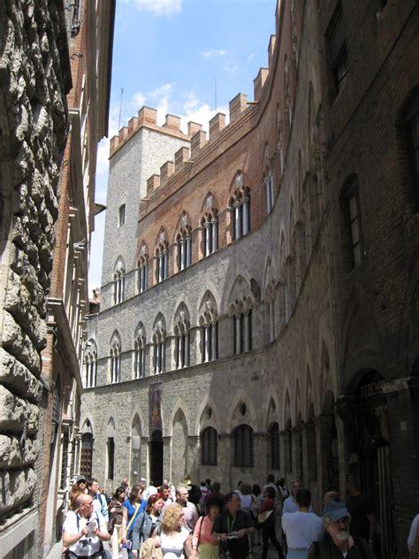 palazzo chigi saracini wikipedia