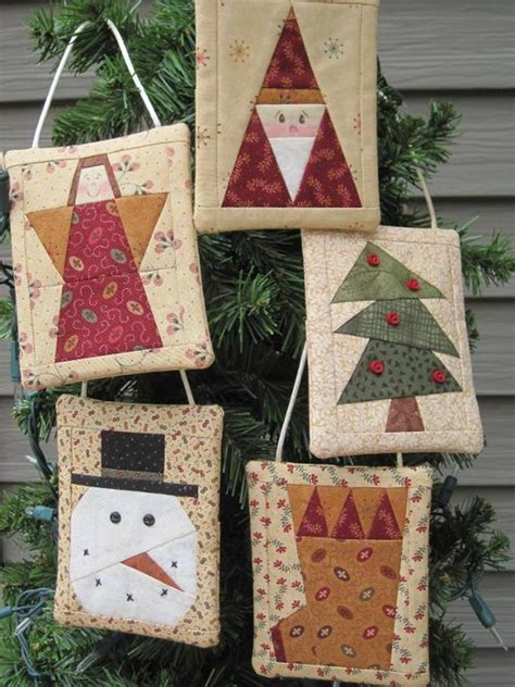quilt pattern gift wrapped wrap up gift cards in beautiful ornaments quilting digest