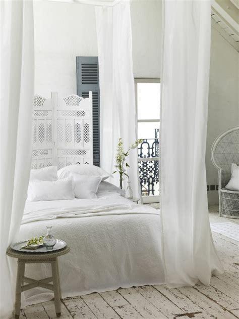 Incroyable Chambre Blanche Et Rouge #8: id%C3%A9es-d%C3%A9co-chambre-romantique-int%C3%A9rieur-blanche-decoration.jpg