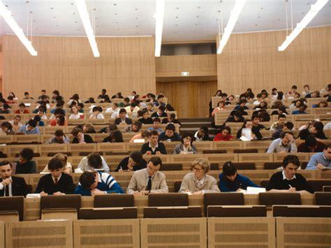 test d ingresso medicina 2012 universit 224 test d ingresso a medicina proibitivi per gli