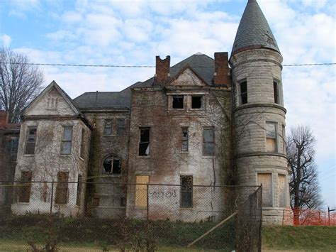 Louisville Haunted Houses by 4775 Best Abandoned Mansions Images On