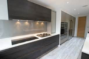 dark handleless kitchen ideas modern kitchen london