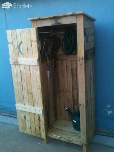 mini storage shed outhouse   pallets