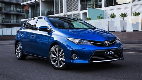 price toyota 2013 toyota corolla pricing and specifications photos 1