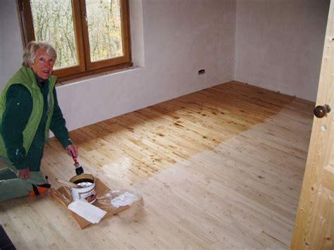 verniciare pavimento quali prodotti utilizzare per il trattamento parquet