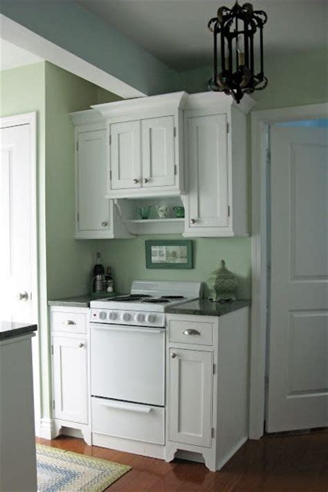 super small kitchen ideas 1000 ideas about very small kitchen design on pinterest
