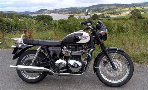 Motorrad Triumph Bonneville T100 by Triumph Bonneville T100