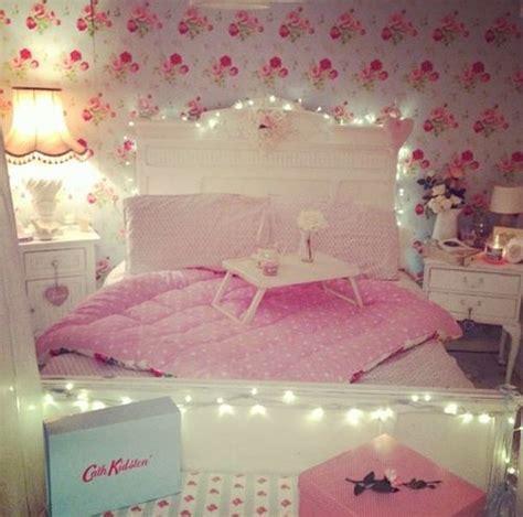 vintage girly bedroom