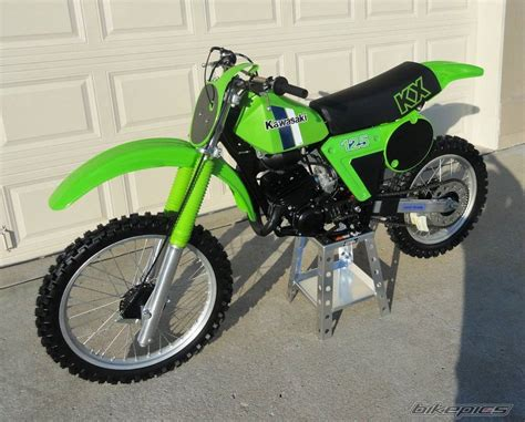 Kawasaki Motorcycles 1980 Www Pixshark Images Galleries With A Bite 1980 Kawasaki Kx 125 Picture 2298611