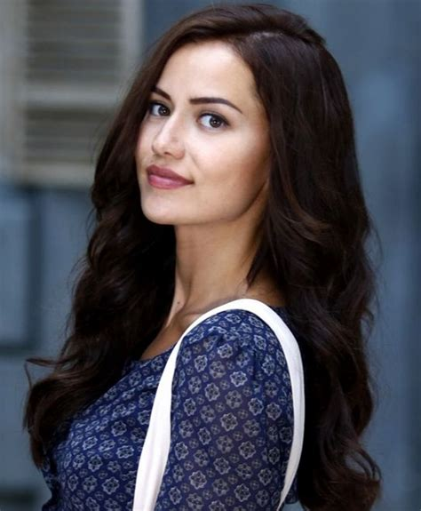 25  best images about Fahriye Evcen on Pinterest   Follow me, Boucle d'oreille and I will