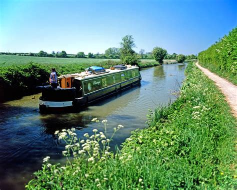 the joy of living on a boat joy of living in the very slow lane on a canal boat life