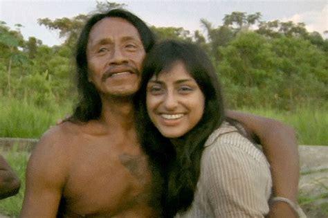film dokumenter suku pedalaman nikahi pejuang suku wanita inggris jadi ratu di