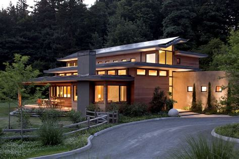 imposing zero energy family house in oregon usa skyline