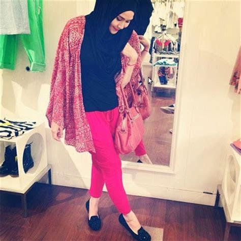 Kerudung Zaskia Hijau s model zaskia adya mecca 2014 gaya