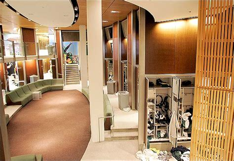 of oregon rooms michigan s new indoor practice facility claims quot taj mahal