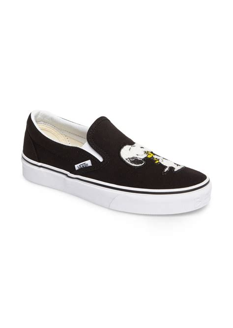 Sepatu Vans Slip On Snoopy vans vans x peanuts snoopy kisses slip on sneaker shoes shop it to me